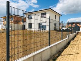 ZLÍN 2020 – Realizace plotových panelů 2D, výška 1530 mm, pr. panelů 6/5/6 mm, antracit 7016